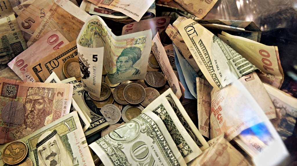 forex_money_for_exchange_in_currency_bank